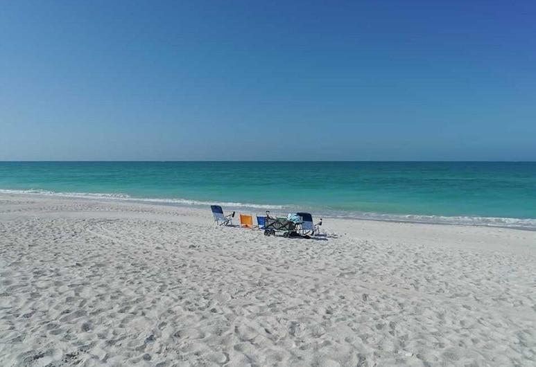 Anna Maria Beach Resort Rm 108, Holmes Beach, Suite, 1 Bedroom, Beach