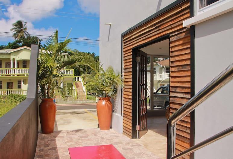 Operative Car Rental & La Porsuette Inn, Gros Islet, Lobby
