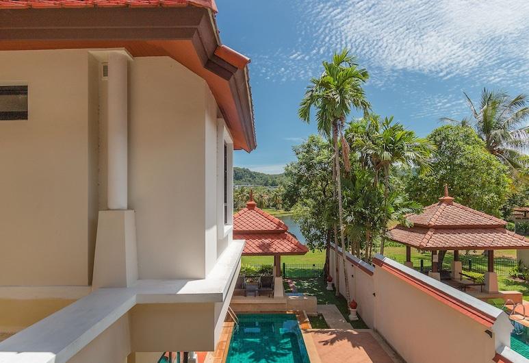 Villa Selaru by TropicLook, Choeng Thale, 3 Bedrooms Pool Villa
