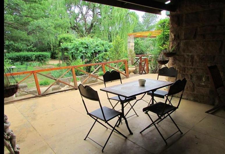 African Dawn Luxury Guesthouse, Fouriesburg, Teres/Laman Dalam