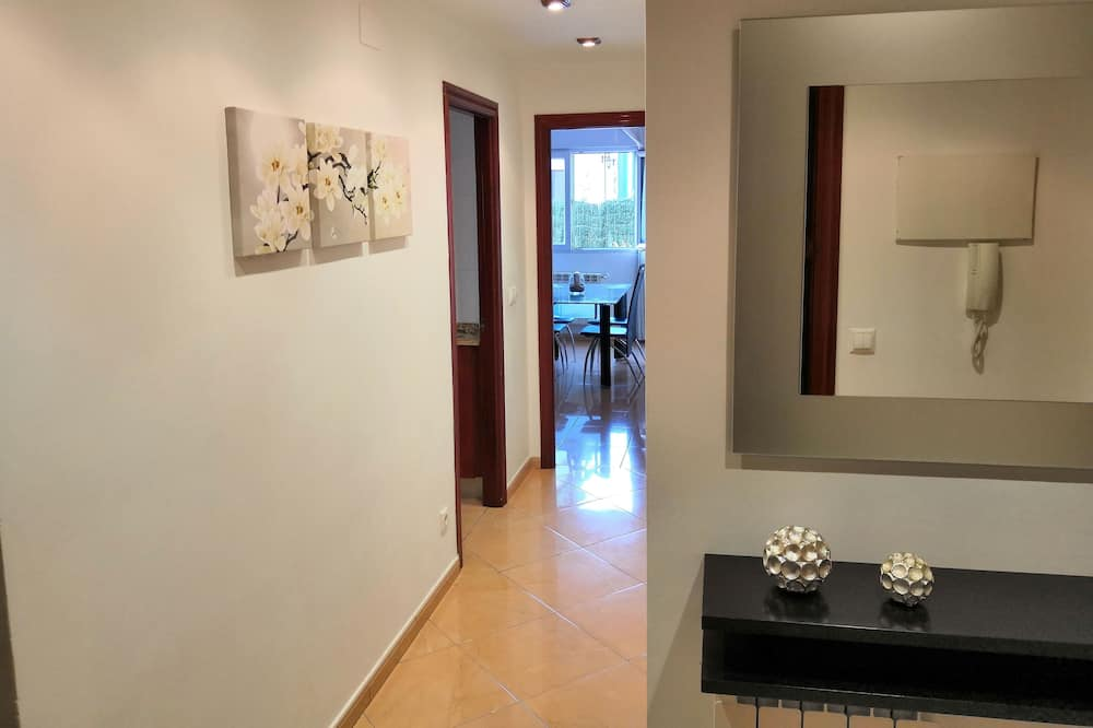 Lovely ground floor with garden and terrace in urbanizac with pool