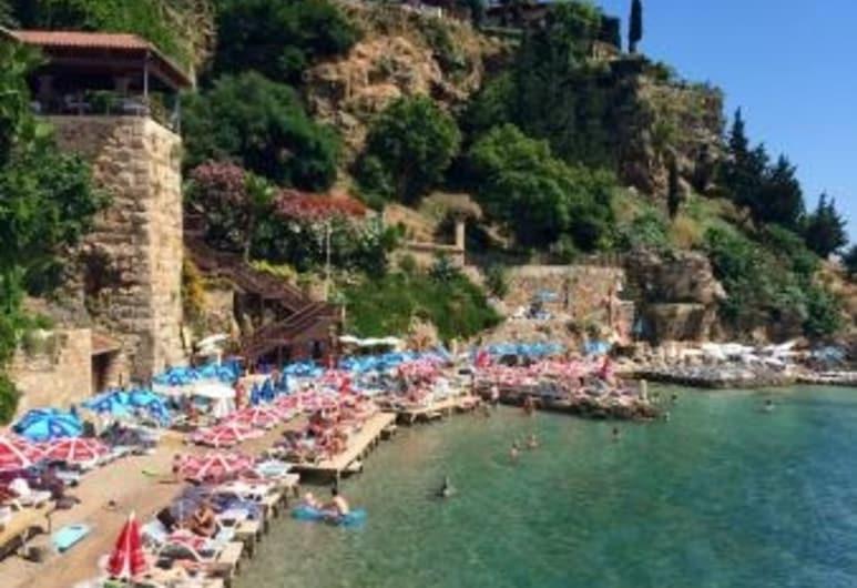 Cedrus Hotel, Antalya, Beach