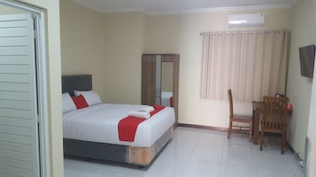 Picture of Hotel Wood 7296 in Semarang