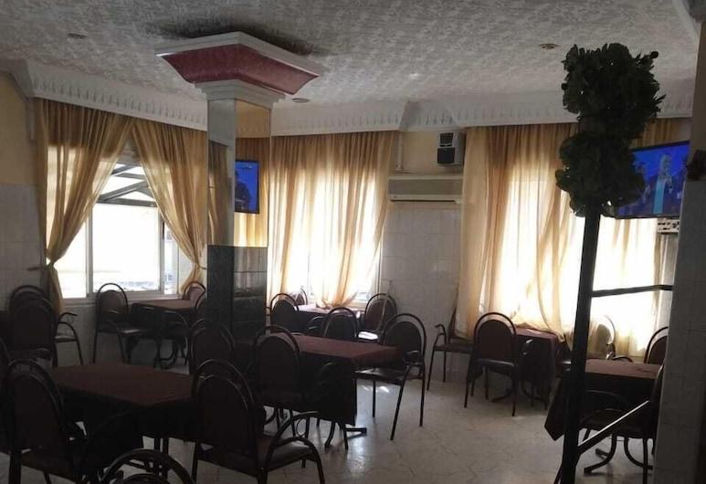 Hotel Cannes, Aarab Sebbah Ziz, Restaurante
