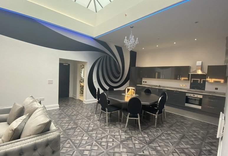 1 Temple Court, Liverpool, Luxury Apartment, Living Area