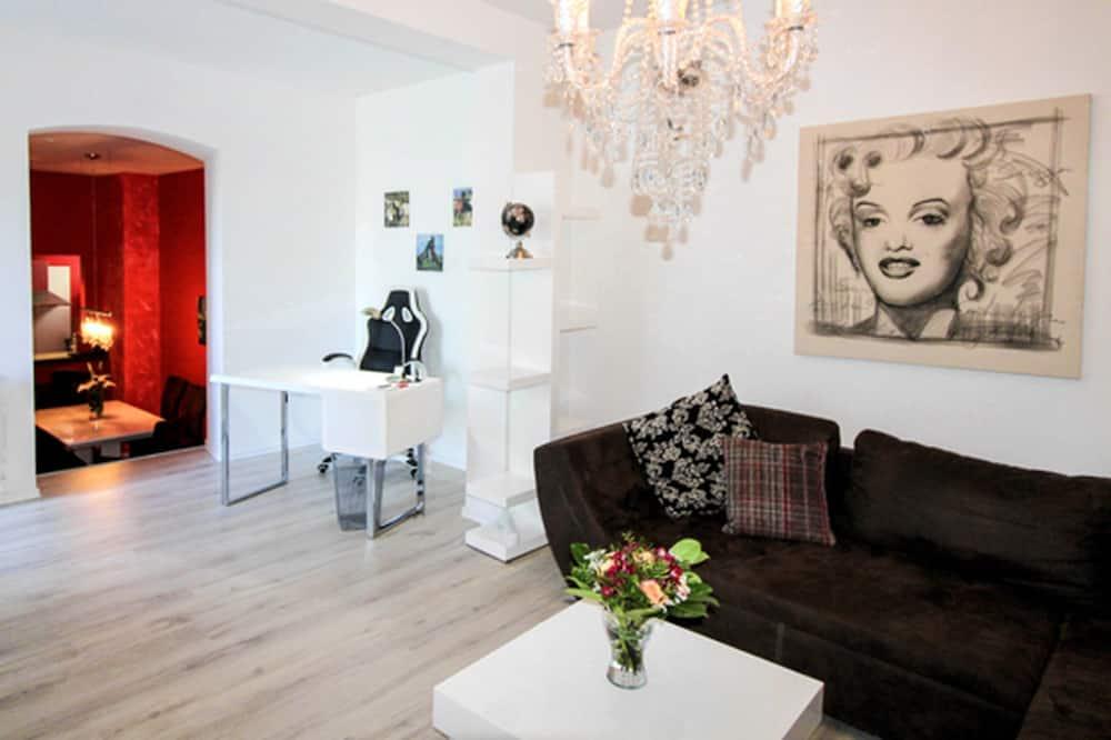 Apartment (No. 6 - Belle Etage) - Living Area