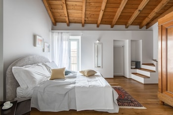Picture of A Casa Nuccia Mansarda Centro di Como in Como