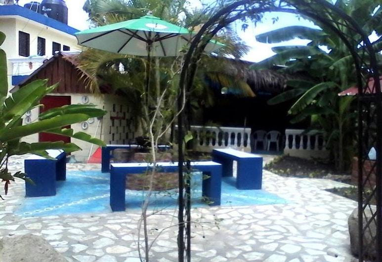 Abbigail Room No. A 2, Tamboril, Hồ bơi