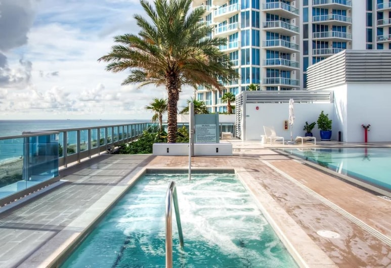 Domio Miami Beach Corner Ocean View + Balcony 3 Bed, Miami Beach, Pool