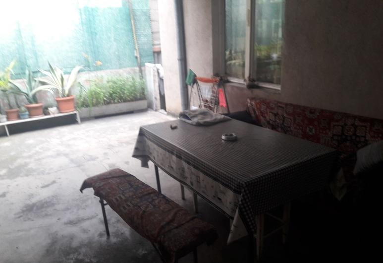 Guest House 47, Yerevan, Courtyard
