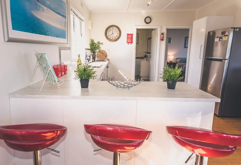 Carrickalinga Seahaven: Coastal Escape-4brm - 29 Riverview Drive, Carrickalinga, Private kitchen