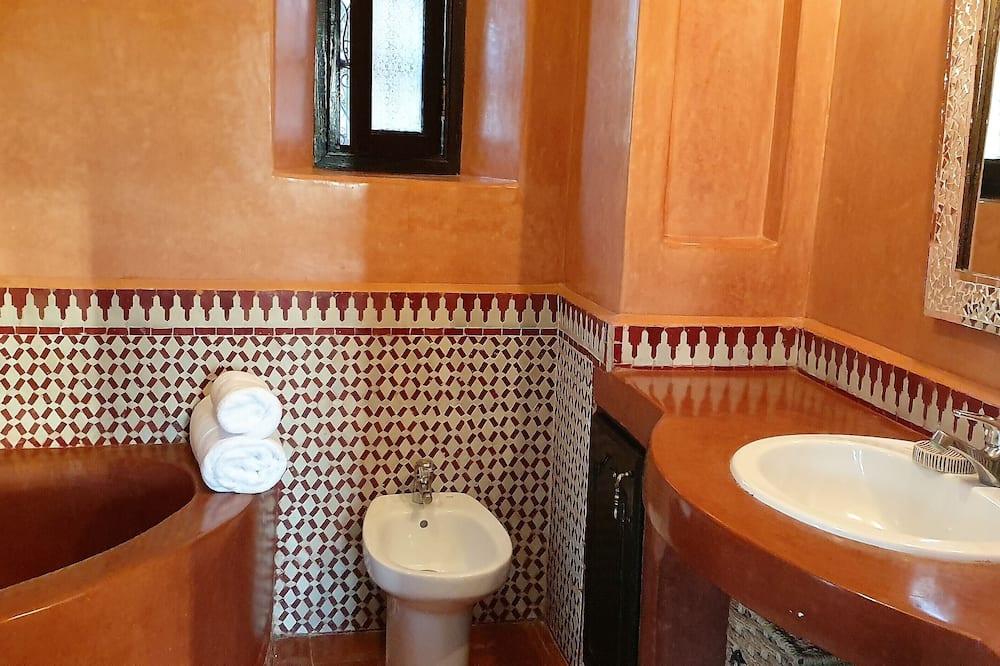 Comfort Tek Büyük Yataklı Oda, 1 Çift Kişilik Yatak - Banyo