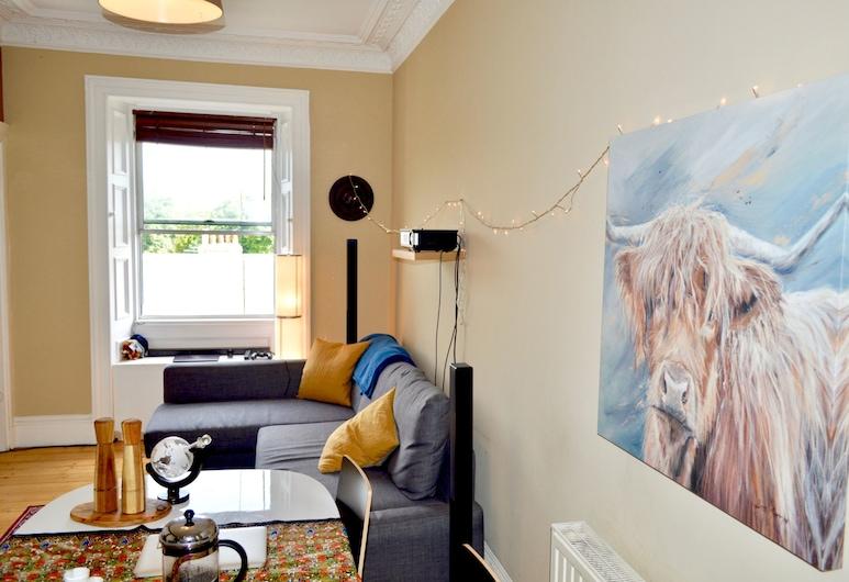 Homely 2 Bedroom Flat Next to Botanical Gardens, Edinborg