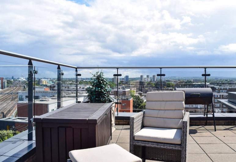 2 Bedroom Penthouse In Trendy Bermondsey, London, Balkon