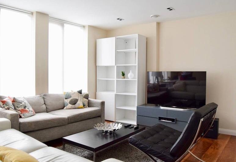 Modern 1 Bedroom Flat in Holborn, London