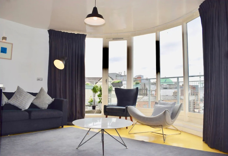 Modern Penthouse Apartment in Temple Bar, Dublin, Zimmer