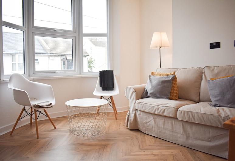 New 2 Bedroom Maisonette Next To Hove Station, Hove