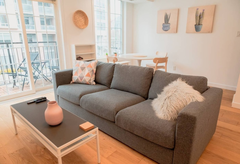 Beautiful Home in King West Village, Toronto