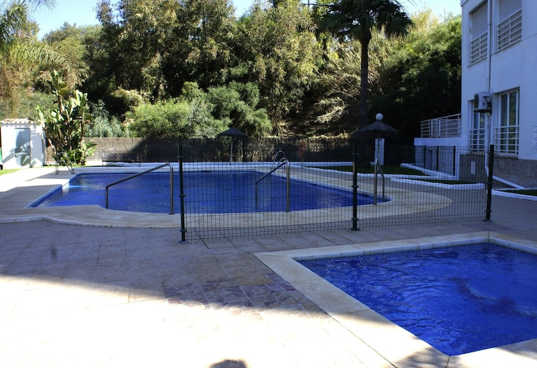 Apartment With one Bedroom in Calahonda, With Wonderful sea View, Pool Access and Wifi - 100 m From the Beach, Mijas