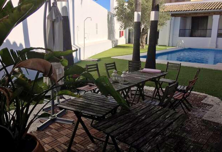 House With one Bedroom in Jerez de la Frontera, With Pool Access, Enclosed Garden and Wifi - 16 km From the Beach, Jerez de la Frontera
