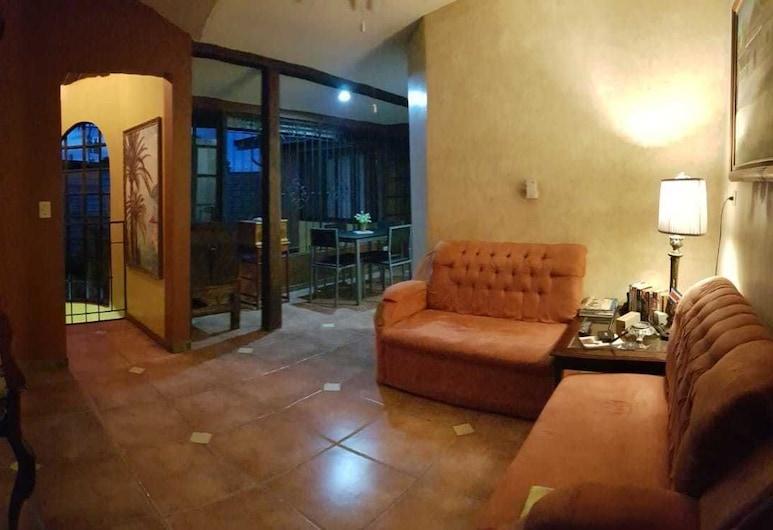 查那之家飯店, 賴比瑞亞