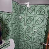 Basic Double Room, 2 Double Beds - Bathroom