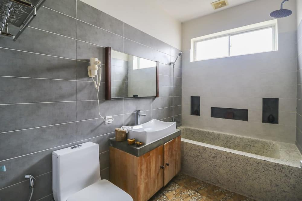 Superior Twin Room, Multiple Bedrooms - Private spa tub