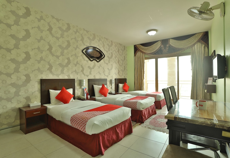 OYO 261 Remas Hotel Apartment, Dubai, Kamar Triple Standar, Kamar