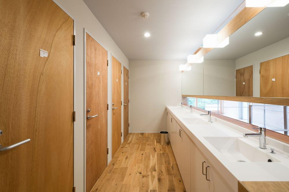 Shared Dormitory, Mixed Dorm (Booking per Room, Max 4 person) - Kemudahan Bilik Mandi