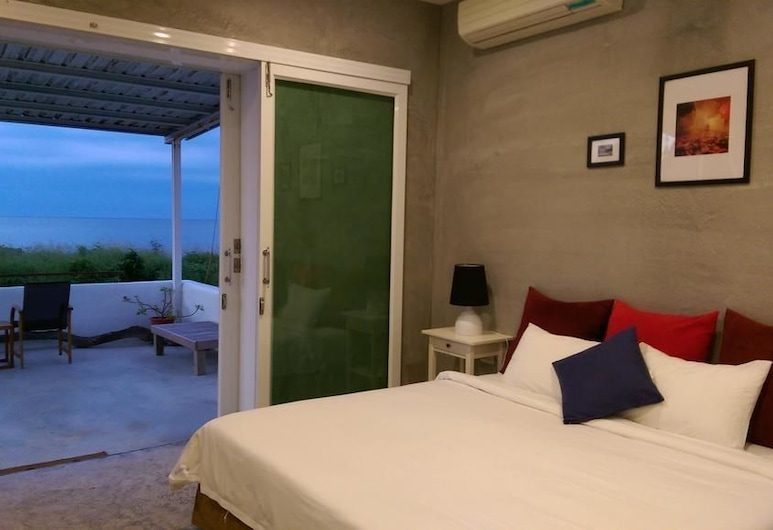 The Ocean Apartment, Checheng, Deluxe Double Room, Balcony, Ocean View, Guest Room View