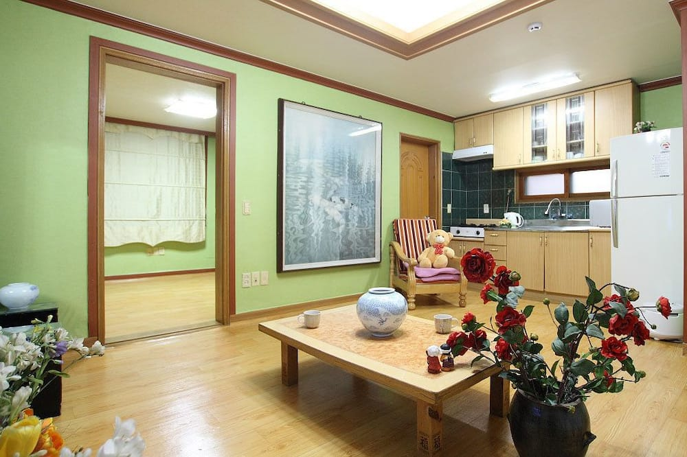 客房 (Ondol, 15 PY, Somang) - 客廳