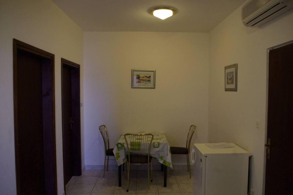 Apartamentai, 2 miegamieji (2) - Vakarienės kambaryje