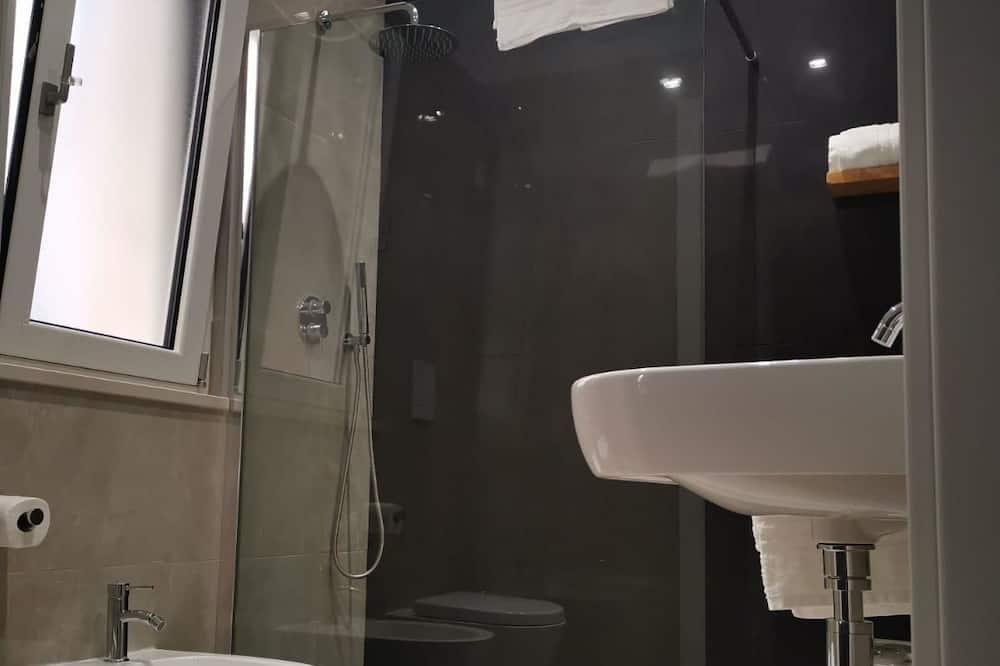 Szoba kétszemélyes ággyal, erkély (Zig Zag) - Fürdőszoba