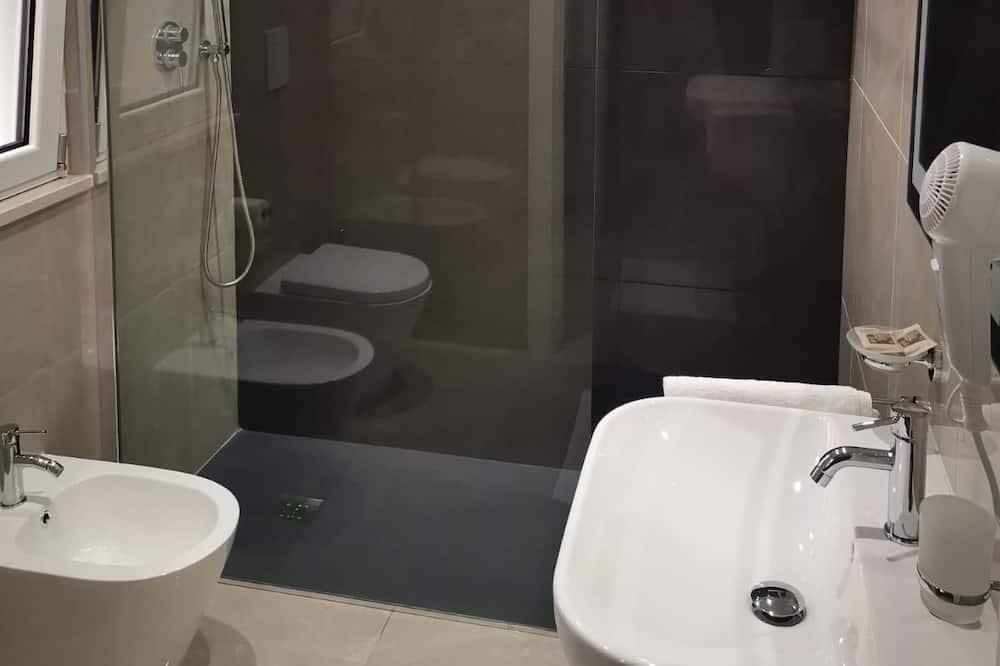 Háromágyas szoba (Fireworks) - Fürdőszoba