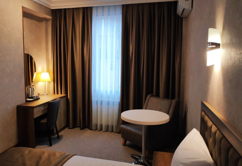 Royal Sapphire Hotel, Baku, Standard Double Room, Guest Room
