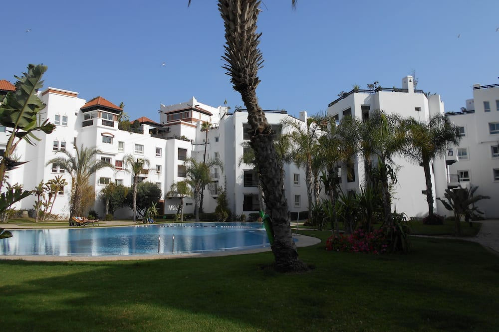 Lovely two Bedroom Apartment Ref T24302