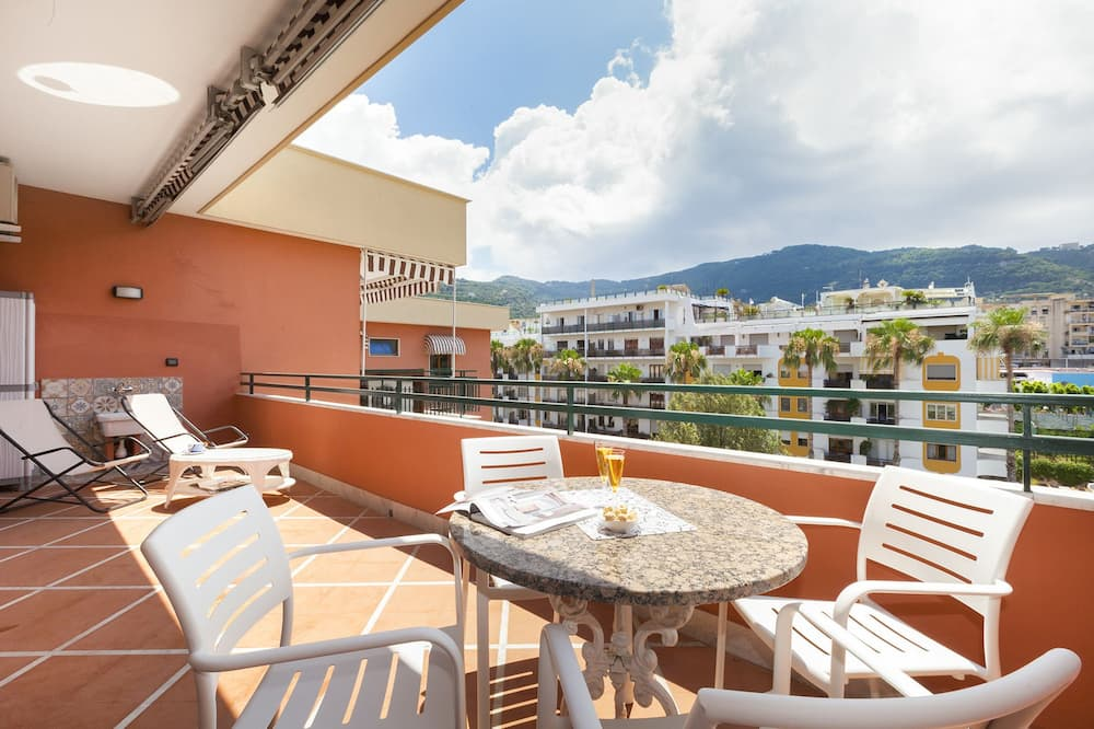 Traditional Apartment, 1 Bedroom, Terrace, City View - Terrace/Patio