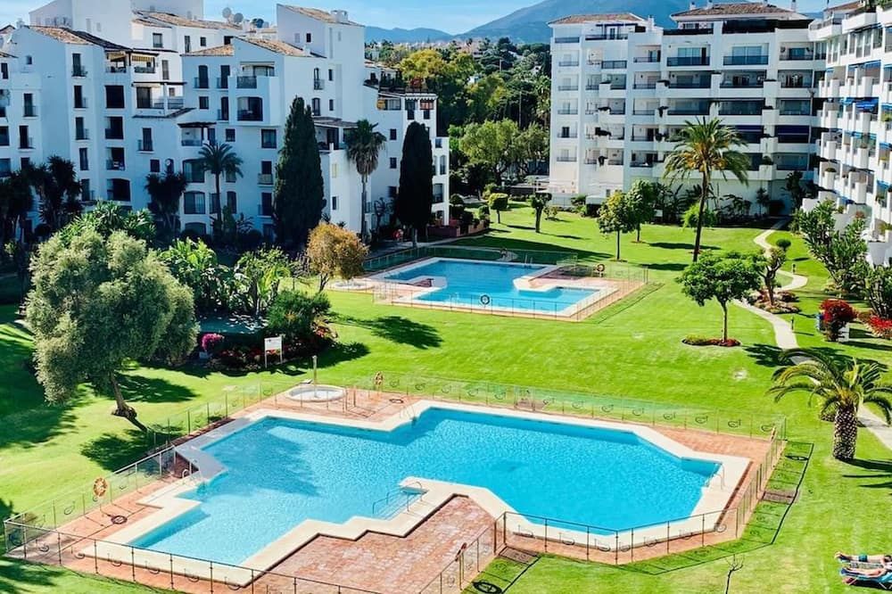 Apartment With 2 Bedrooms in Marbella, With Wonderful Mountain View, Pool Access and Furnished Terrace - 300 m From the Beach