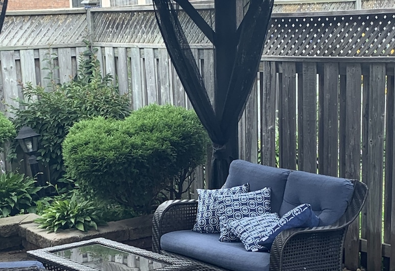Beautiful Brampton Home, Brampton, Estudio, Terraza o patio