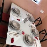 Deluxe Διαμέρισμα, 2 Υπνοδωμάτια, Κουζίνα, Στον κήπο - Γεύματα στο δωμάτιο