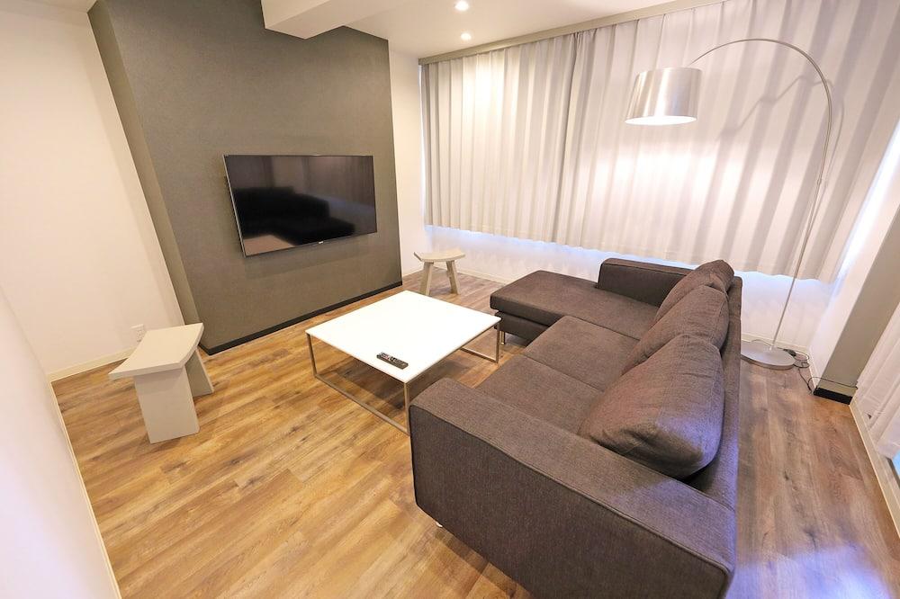 2 Bedroom Apartment - Living Room