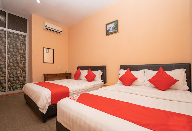 OYO 89328 SZ Hotel, Lumut, Family Double Room, Guest Room