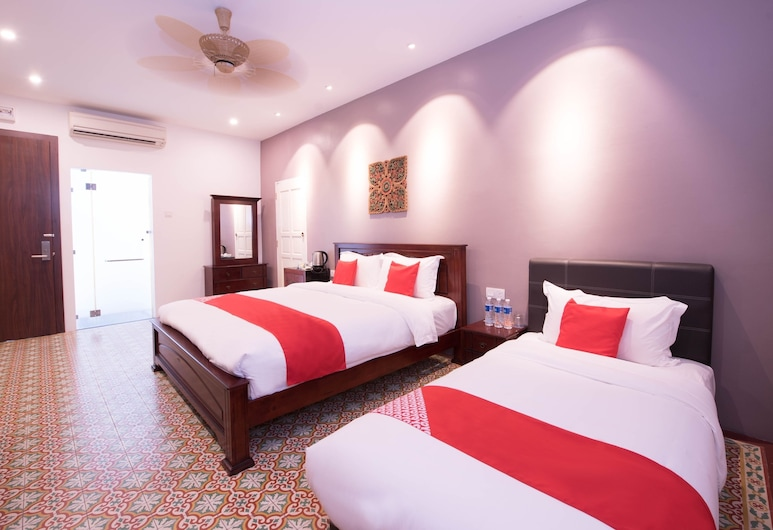 OYO Capital O 89353 Nostalgia Boutique Hotel & Restaurant, George Town, Superior Suite, Guest Room