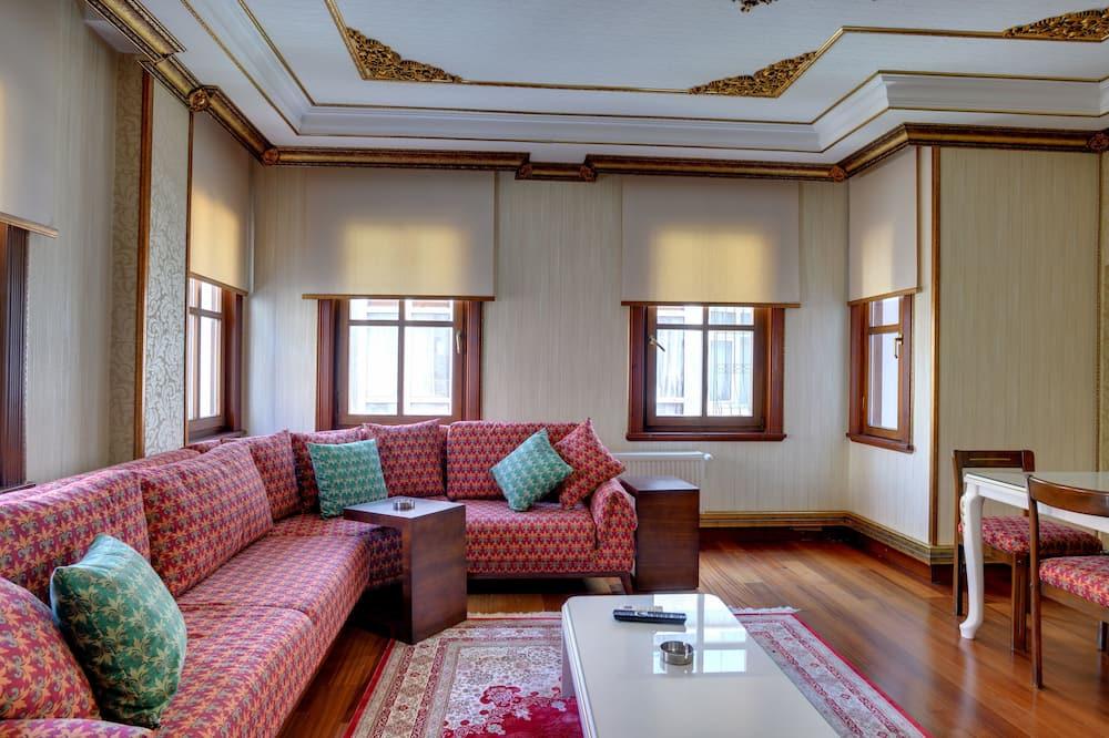Apartment, 3 Bedrooms (Second Floor) - Living Room