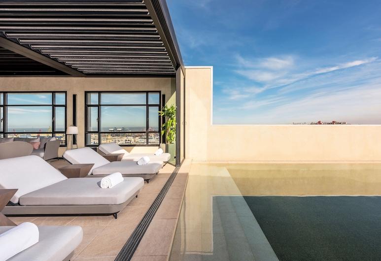 Radisson Blu Hotel, Casablanca City Center, คาซาบลังกา, สระว่ายน้ำบนดาดฟ้า