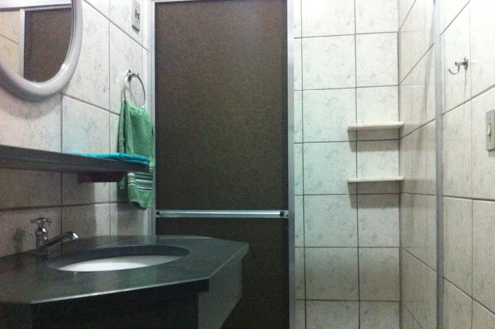 Room (Alvenaria) - Bilik mandi