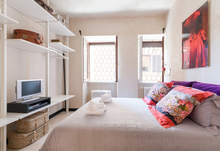 Rome as you feel - Torre Argentina Art Apartment, Rome, Apartment, 2 Bedrooms, Room