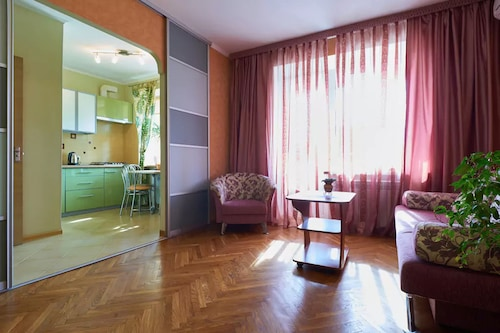 Home-Hotel
