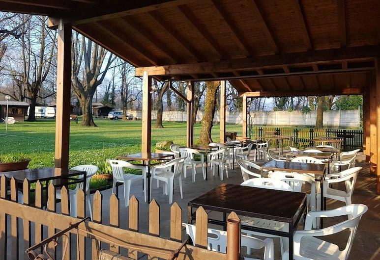 International Camping No Stress, Como, Outdoor Dining