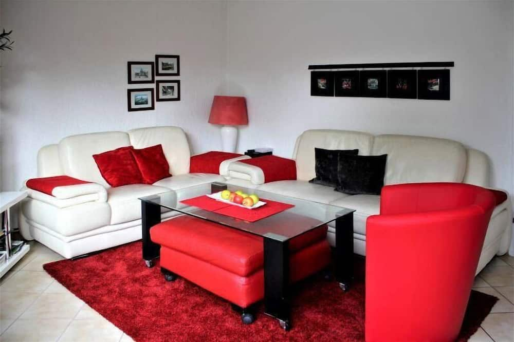 Classic House - Living Room